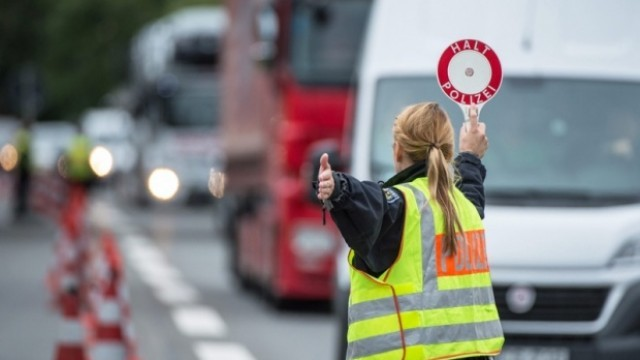 Автобус с български работници катастрофира в Германия, 34 пострадаха