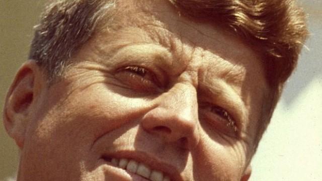 Дейли мирър: Кенеди е убит от ЦРУ заради тайни НЛО досиета