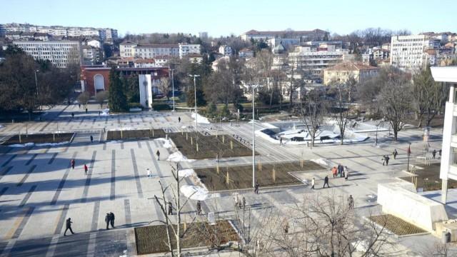 Новият площад на Плевен вече с официален документ за ползване