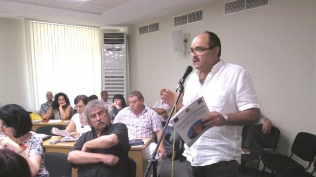 """Плевен: Два часа дебати в Общинския съвет заради площад """"Възраждане"""""""