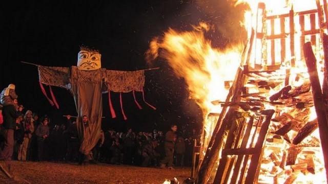 Русе: Канят на огнен спектакъл и маскарад на 22-и в Мартен