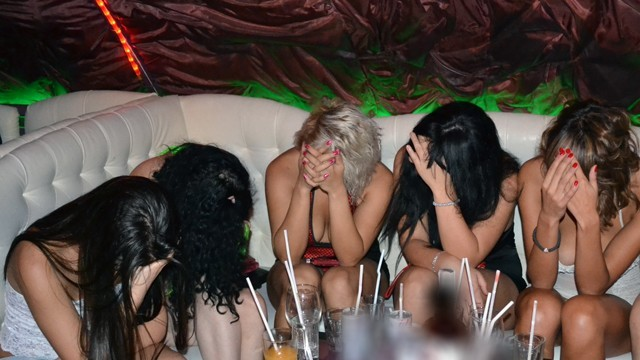 Русенец изнасял проститутки за Франция, помагали му две жени на 22 и 33 години