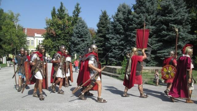 Плевен: Атмосферата на Древен Рим оживя в Историческия музей /Снимки/