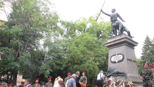 Плевен чества 130 години от Съединението на България /Фотогалерия/
