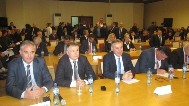 Новият кмет и съветници на Плевен встъпиха в правомощия /Снимки/