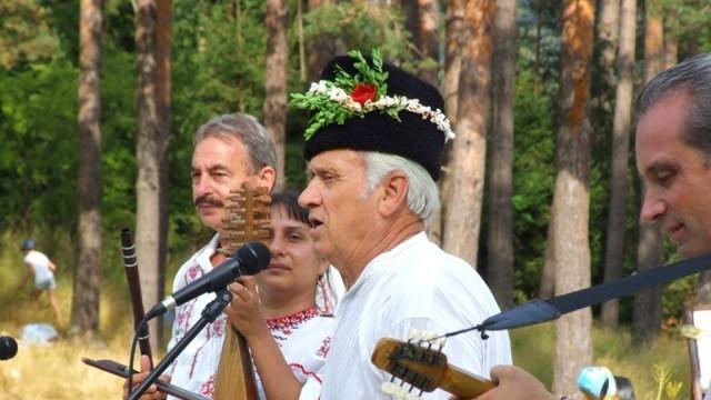 Силно плевенско участие на събора в Копривщица 2015 /Снимки/