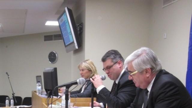 Плевен: Изтеглят сесията на Общинския съвет седмица по-рано