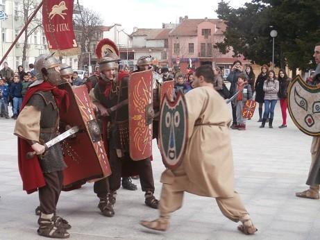 Ловеч: Римляни и траки водеха битка на площада в Луковит