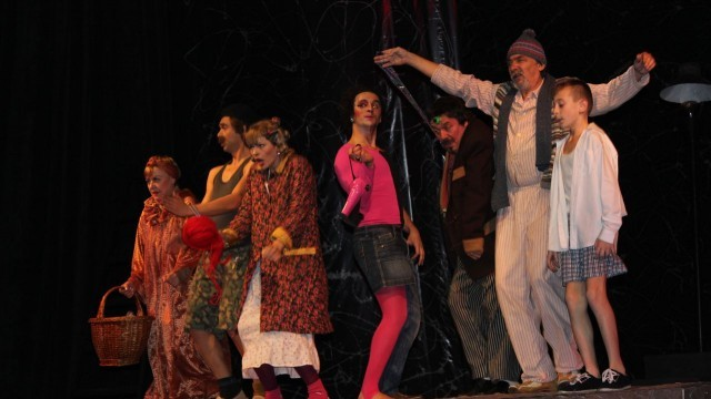 "Премиерата на ""Катаклизми"" предизвика фурор на плевенска сцена"