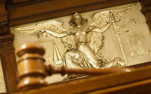 Дадоха на прокурор 22-годишен, отглеждал канабис