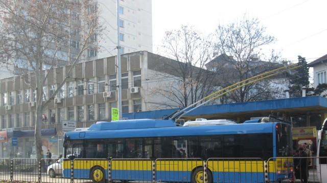 """Плевен: """"Синя зона"""" няма да работи в навечерието на Нова година, тролеите ще возят безплатно в Новогодишната нощ"""