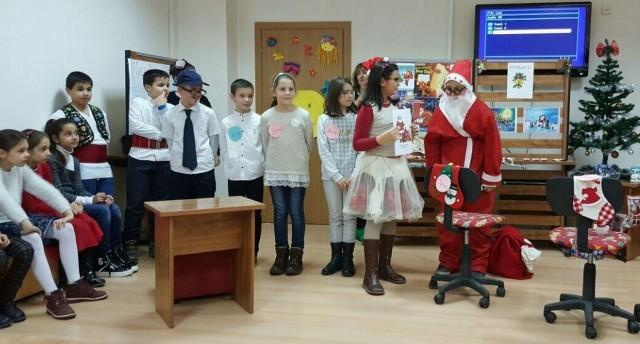 "Плевен: Ученици на НУ ""Хр. Ботев"" разказваха за коледните традиции"