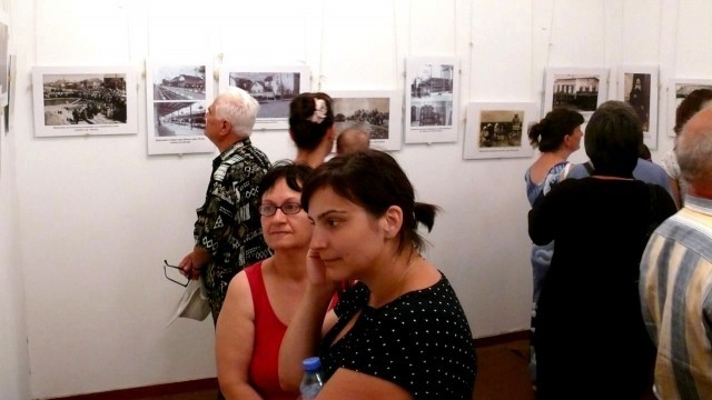 Три фотоизложби показват миналото, настоящето и бъдещето в Левски
