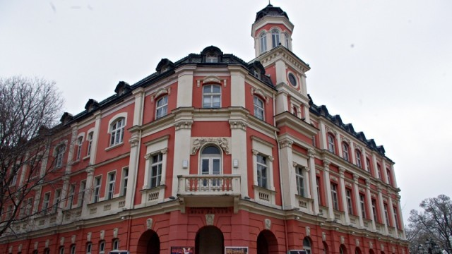 """Общинският съвет решава за ремонта на ДКТ """"Иван Радоев"""""""