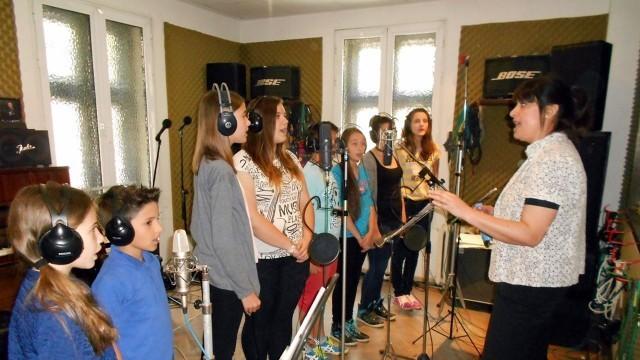 """Плевен: Вокална група """"Арлекино"""" влезе в студио за първи записи"""