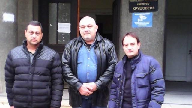 Кметът на Крушовене дари първата си заплата за деца на загинали полицаи